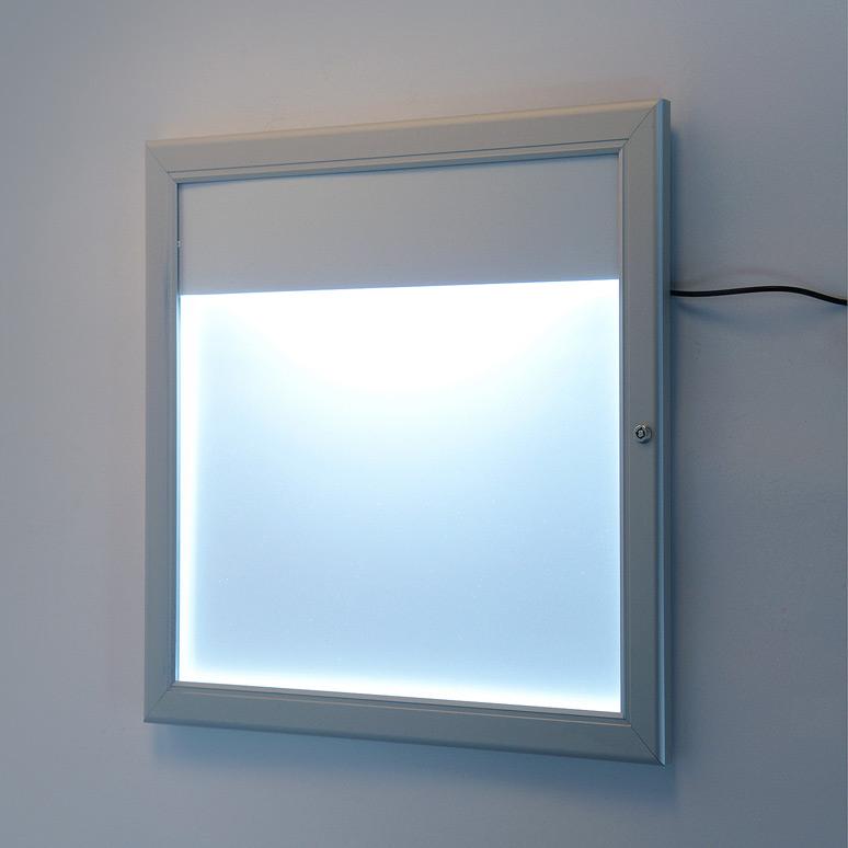 schaukasten f r aussenbereich 2x a4 mit topschild und beleuchtung ideealfall onlineshop f r. Black Bedroom Furniture Sets. Home Design Ideas